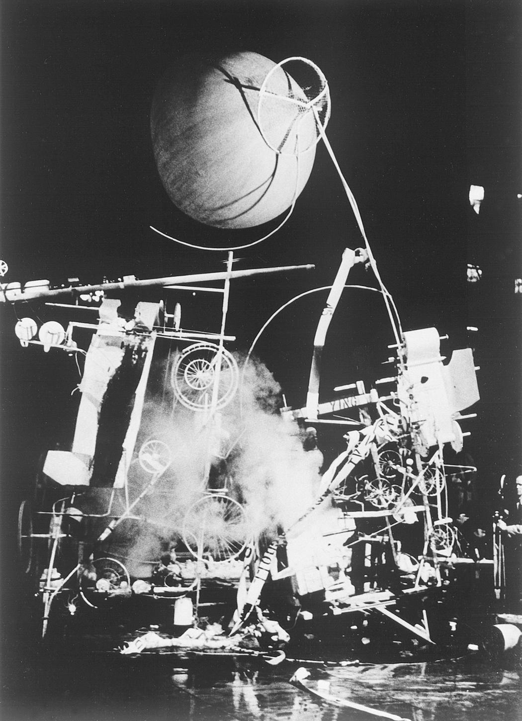 jean-tinguely-homage-to-new-york-1960